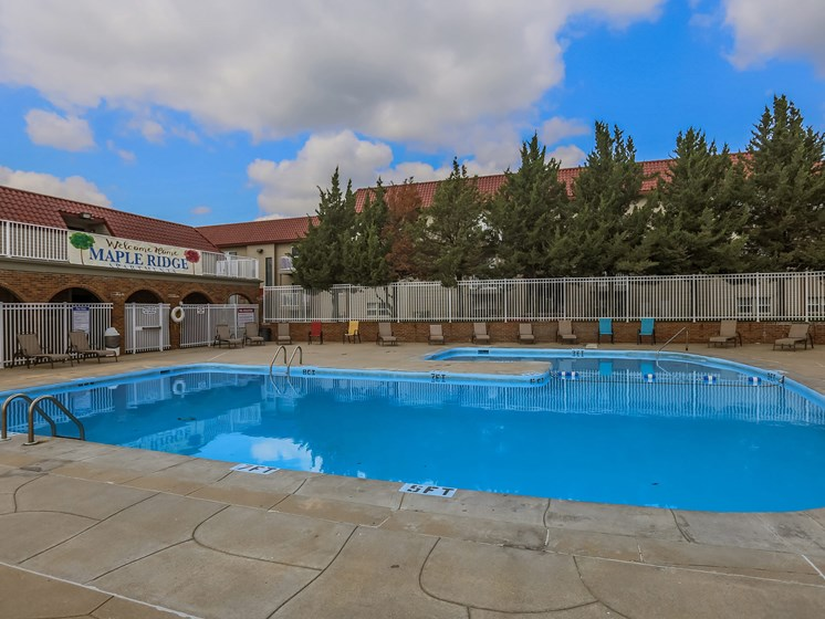 Maple Ridge Apartments | Pool