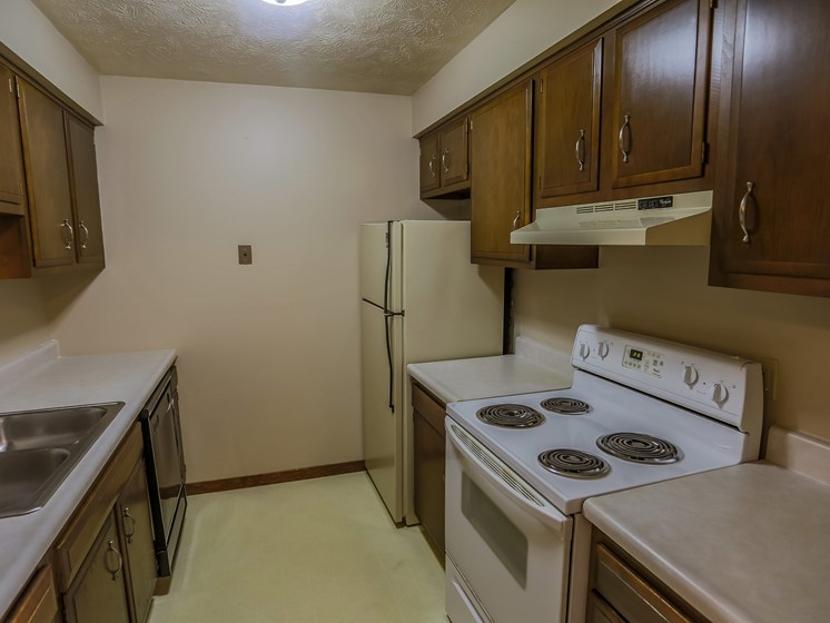 Maple Ridge Apartments | 1 Bedroom | Kitchen