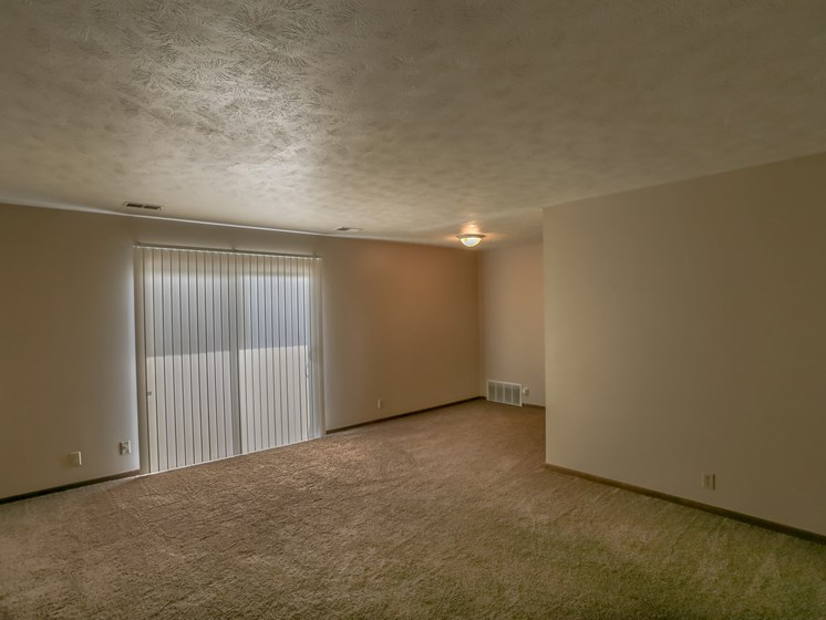 Maple Ridge Apartments | 1 Bedroom | Living Room