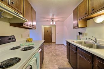 607 1st Ave E Studio-1 Bed Apartment for Rent Photo Gallery 1