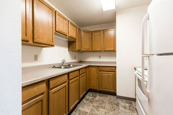 400 W Arbor Ave 1 Bed Apartment for Rent Photo Gallery 1