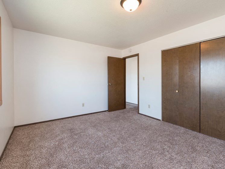 Brentwood II Apartments | 2 Bdrm- Bedroom