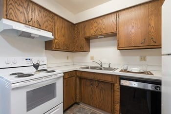 115 W Bismarck Ave 1-2 Beds Apartment for Rent Photo Gallery 1