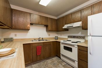 2902 E Rosser Ave 1-2 Beds Apartment for Rent Photo Gallery 1