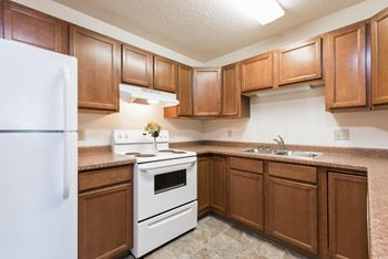 2910 E Rosser Ave 1-2 Beds Apartment for Rent Photo Gallery 1