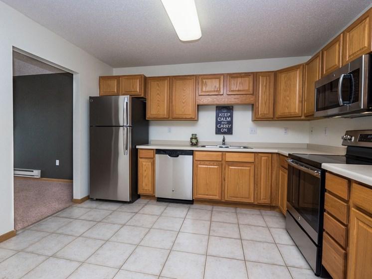 Stonebridge Apartments | 2 Bedroom Plan G | Kitchen | Dining