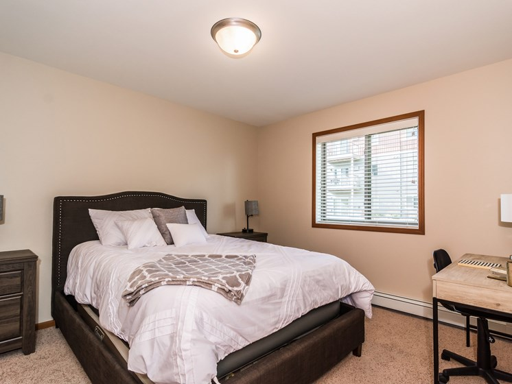 Sterling Pointe Apartments | Bedroom
