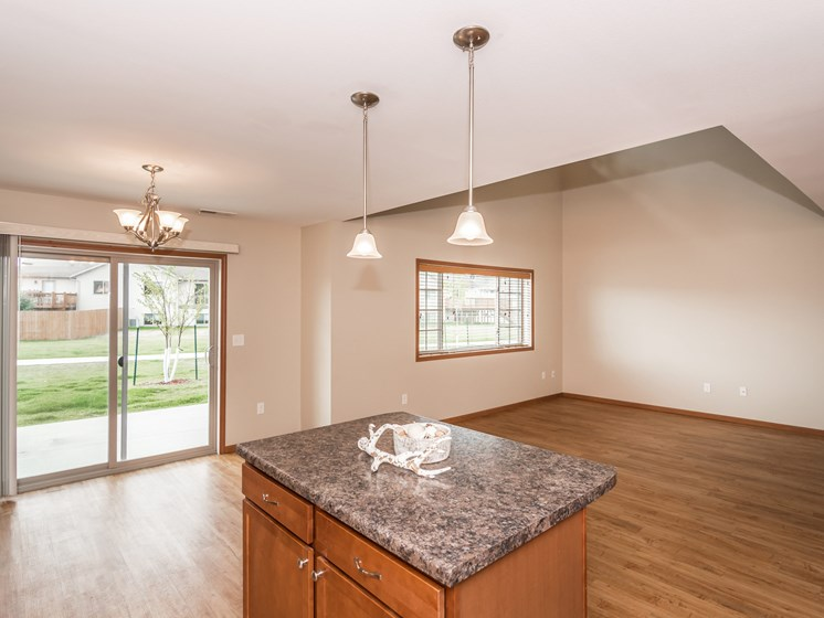 Sterling Pointe Townhomes | Living Room