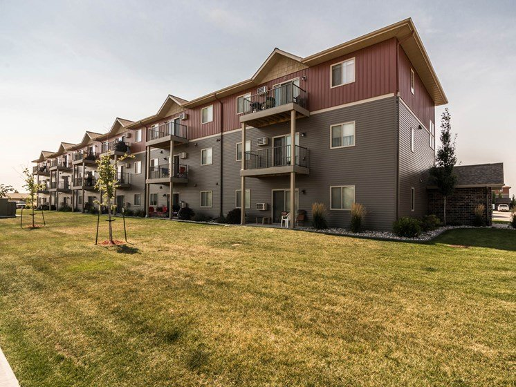 Sterling Pointe Apartments | Grand Forks, ND