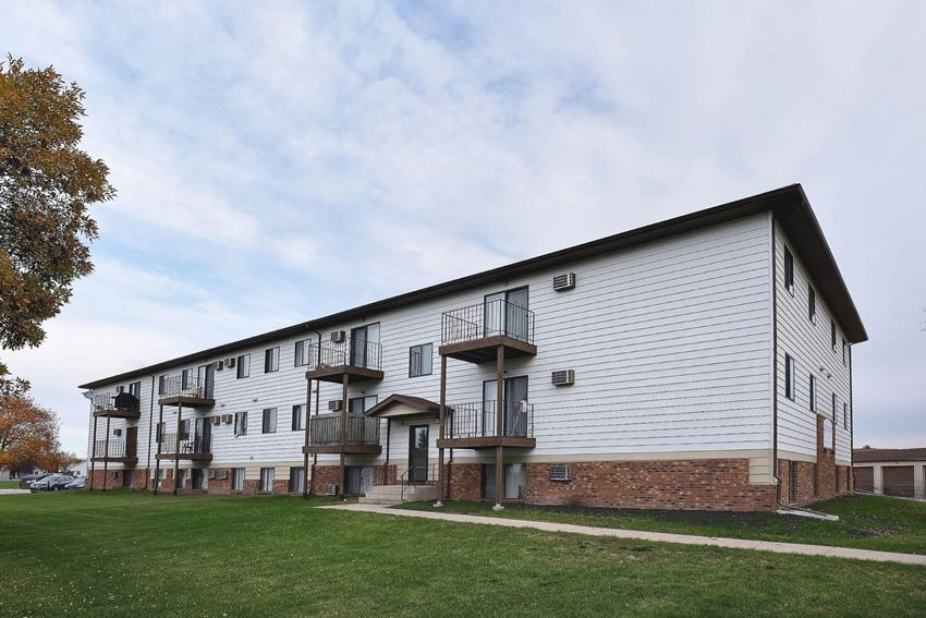 Southgate Apartments | Fargo, ND