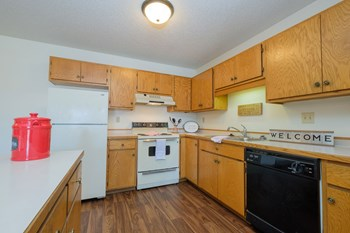 1610 34Th St SW 2 Beds Apartment for Rent Photo Gallery 1
