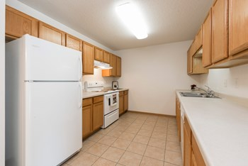 1060 Turnpike Ave W Studio-3 Beds Apartment for Rent Photo Gallery 1