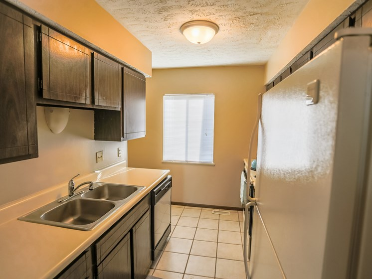 Stony Brook Townhomes   Kitchen   Dining