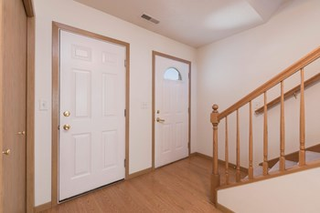 2907 Iowa Lane 1 Bed Apartment for Rent Photo Gallery 1