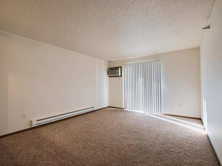 Eagle Run Apartments | 2 Bedroom Plan A | Living Room