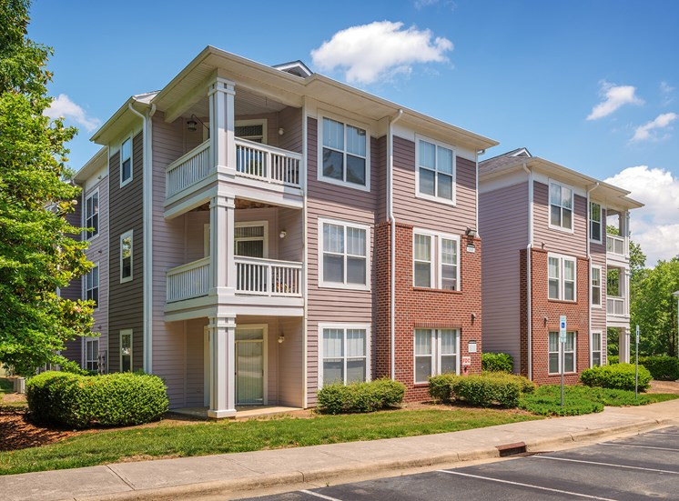 Lofts, 1, 2 & 3 Bedroom Apartments in Cary NC