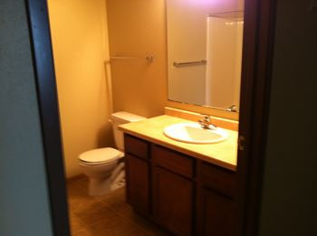 2421 36th St. South 1-3 Beds Apartment for Rent Photo Gallery 1