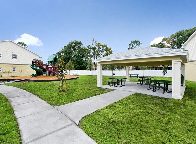 Dean Woods Place Apartments for rent in Orlando, FL. Make this community your new home or visit other ConcordRENTS communities at ConcordRENTS.com. Picnic area