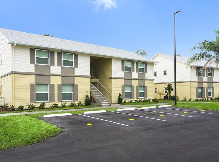 Dean Woods Place Apartments for rent in Orlando, FL. Make this community your new home or visit other ConcordRENTS communities at ConcordRENTS.com. Building exterior