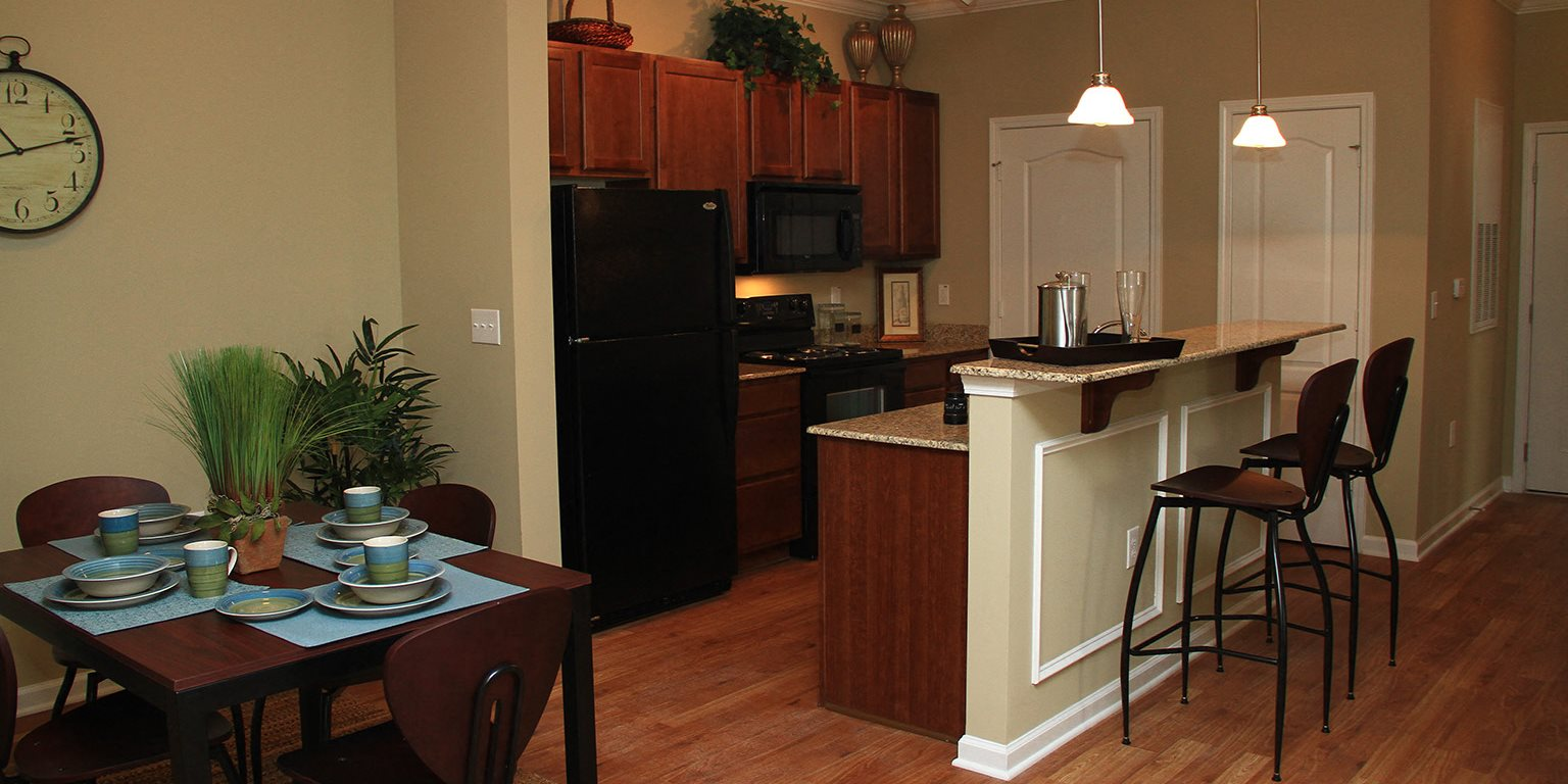 Liberty Pointe Apartments | Apartments in MIdway Park, NC