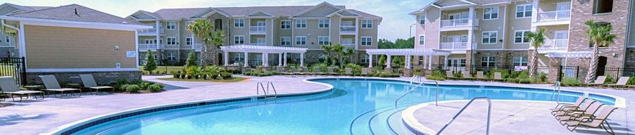 Resort Style Sparking Swimming Pool at Stillwater at Southbridge Apartments in Snead's Ferry North Carolina