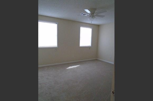 Crosswinds Condominiums Apartments 808 Leeville Pike