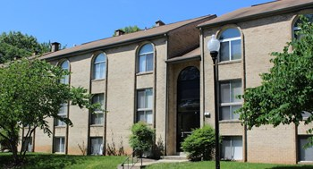 3103 Windsor Blvd. 1 Bed Apartment for Rent Photo Gallery 1