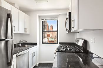 320 East 58th Street Studio Apartment for Rent Photo Gallery 1