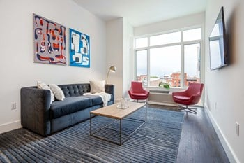 109 Christopher Columbus Dr 1-2 Beds Apartment for Rent Photo Gallery 1