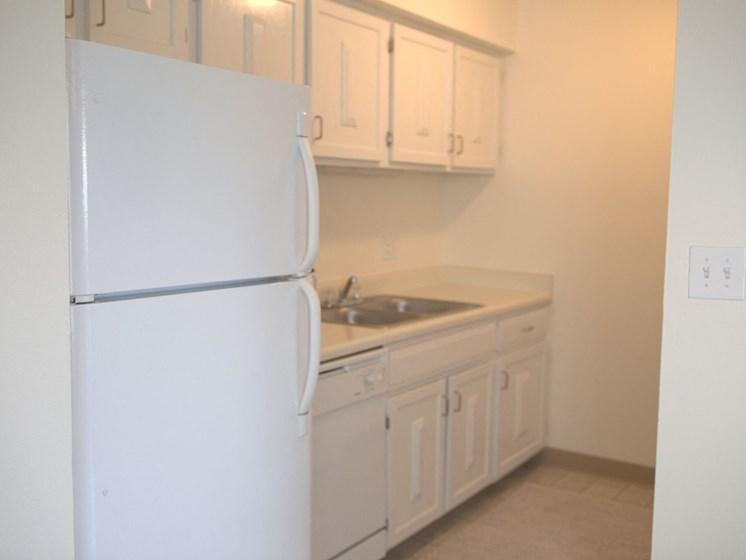 Kitchen Appliances at Woodmere Townhomes, Cedarburg, WI, 53012