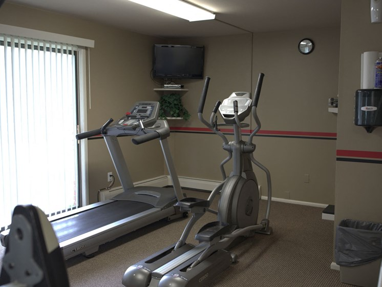 workout accessories at Woodmere Townhomes, Cedarburg, Wisconsin