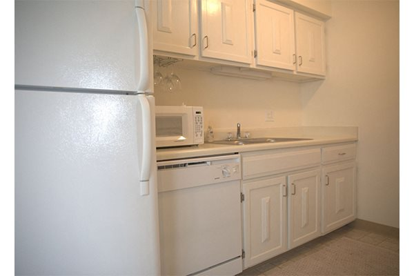 kitchen cabinets at Woodmere Townhomes, Wisconsin