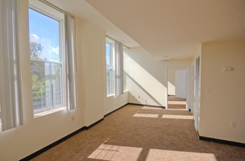 490 Fourth Avenue 3 Beds Apartment for Rent Photo Gallery 1