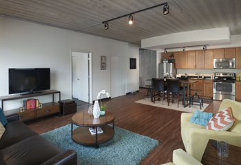 618 South Main Street 1 Bed Apartment for Rent Photo Gallery 1