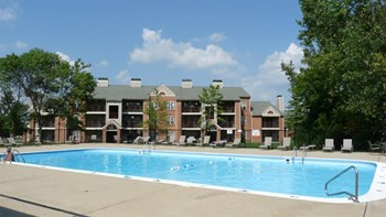 1651 S. Elm Street 1-2 Beds Apartment for Rent Photo Gallery 1