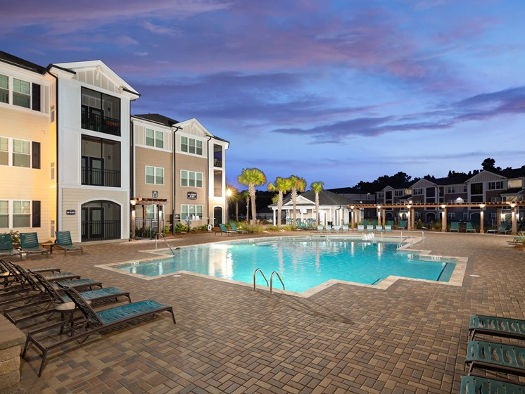 Outdoor Swimming Pool at Abberly Crossing Apartment Homes, South Carolina