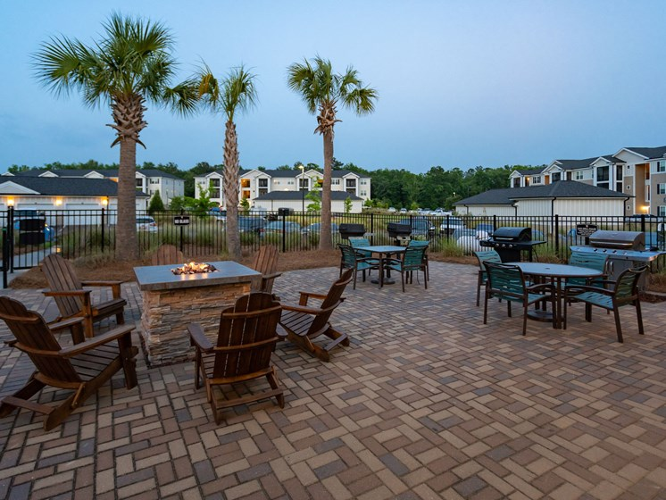 Barbecue And Grilling Station at Abberly Crossing Apartment Homes, Ladson, SC, 29456