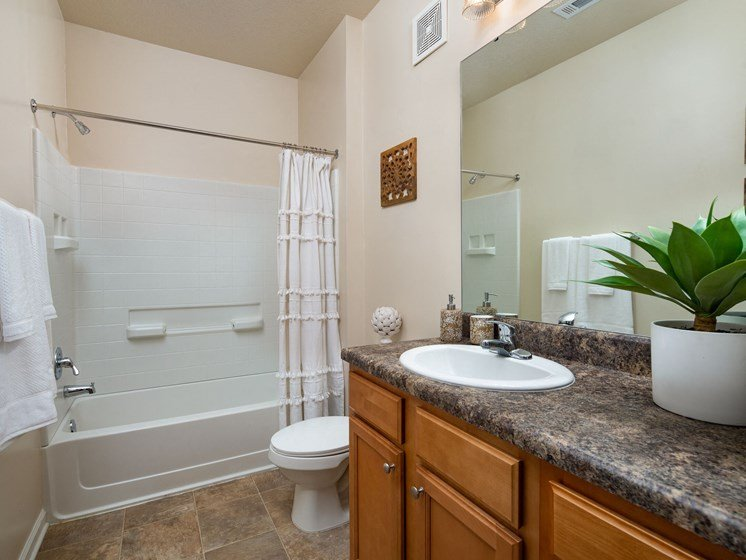 Bathroom with Bathtub at Abberly Crossing Apartment Homes, Ladson, SC