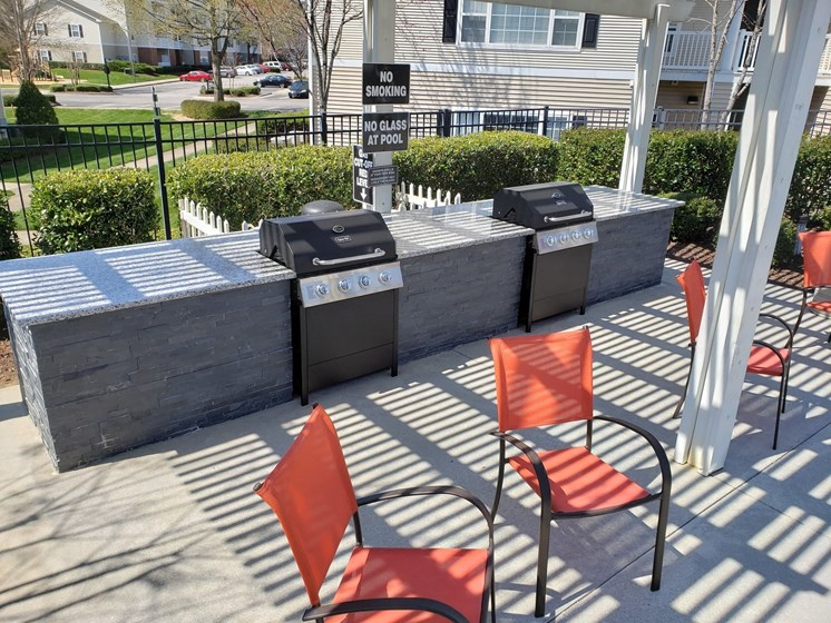 Outdoor Patio With Grilling Station at Abberly Grove Apartment Homes, North Carolina, 27610