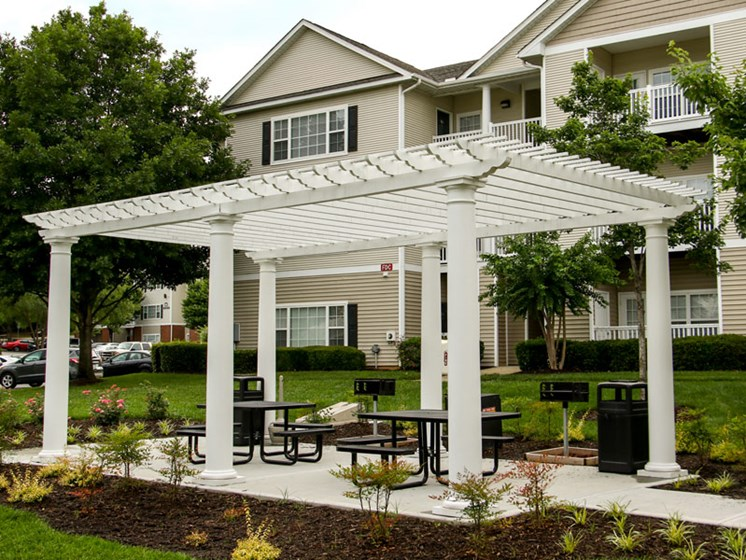 Beautiful Landscaping and Park-like Setting at Abberly Grove Apartment Homes, Raleigh, 27610