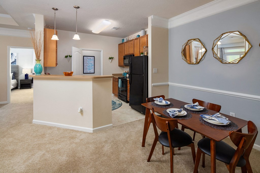 Fully Equipped Kitchens And Dining at Abberly Chase Apartment Homes by HHHunt, Ridgeland
