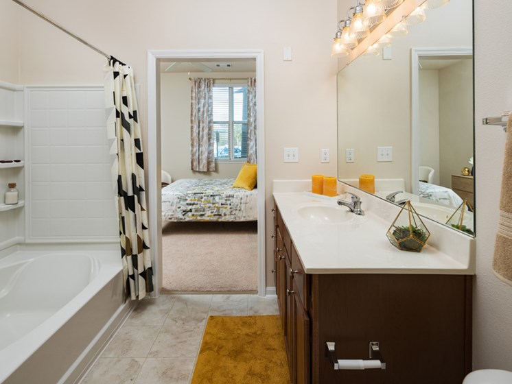 Spacious Bedrooms With en Suite Bathrooms at Abberly at West Ashley Apartment Homes, Charleston, South Carolina