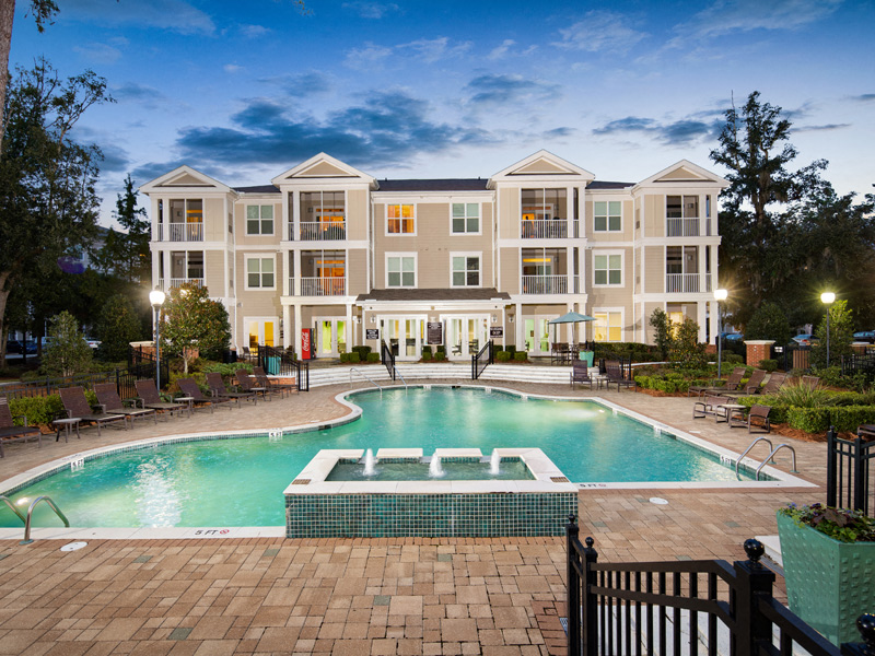 Crystal Clear Swimming Pool at Abberly at West Ashley Apartment Homes, South Carolina, 29414