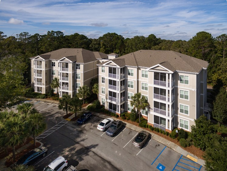 Property Exterior at Abberly at West Ashley Apartment Homes, South Carolina