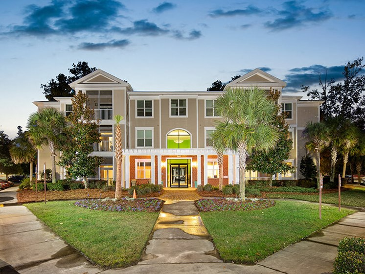 Beautiful Landscaping And Park-Like Setting at Abberly at West Ashley Apartment Homes by HHHunt, Charleston, South Carolina
