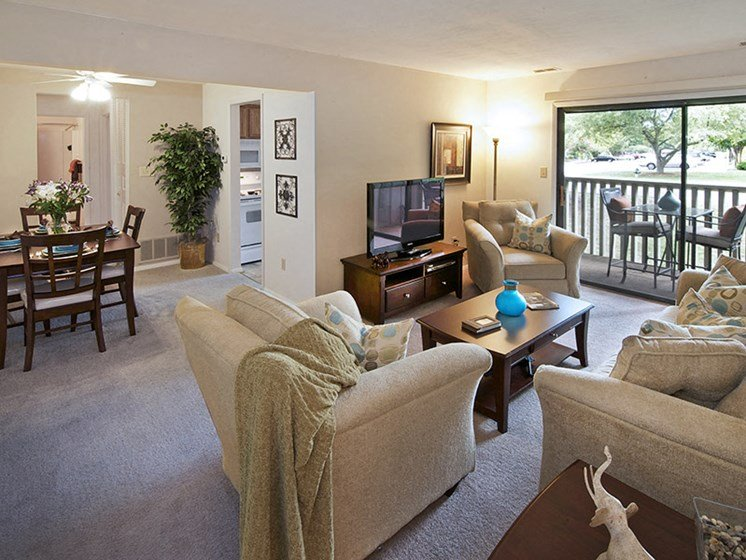 Spacious Floor Plans with Optional Dens at Honeywood Apartment Homes, Roanoke, Virginia