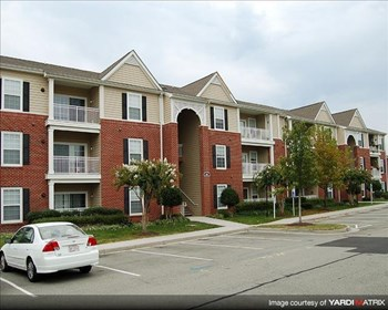 4700 The Gardens Dr. 1-3 Beds Apartment for Rent Photo Gallery 1