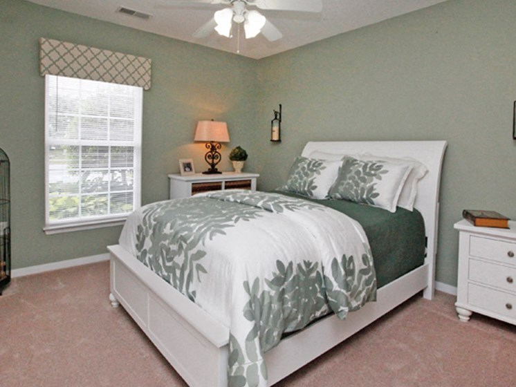 Well Decorated Bedroom With Plenty Of Natural Lights at Abberly Twin Hickory Apartment Homes by HHHunt, Glen Allen, VA, 23059