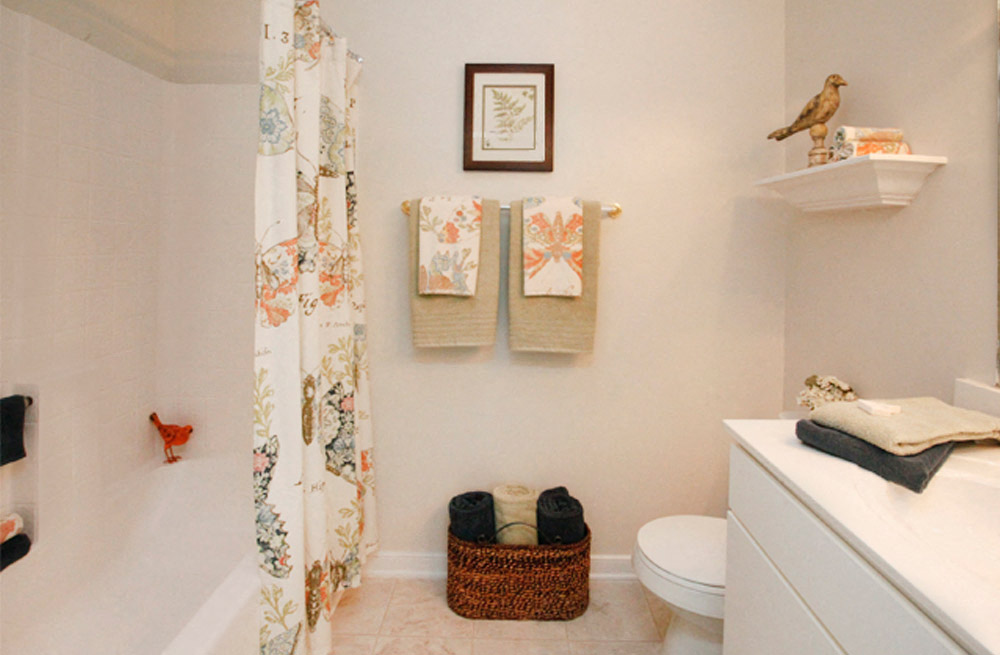Designer Countertops In All Bathrooms at Abberly Twin Hickory Apartment Homes, Glen Allen