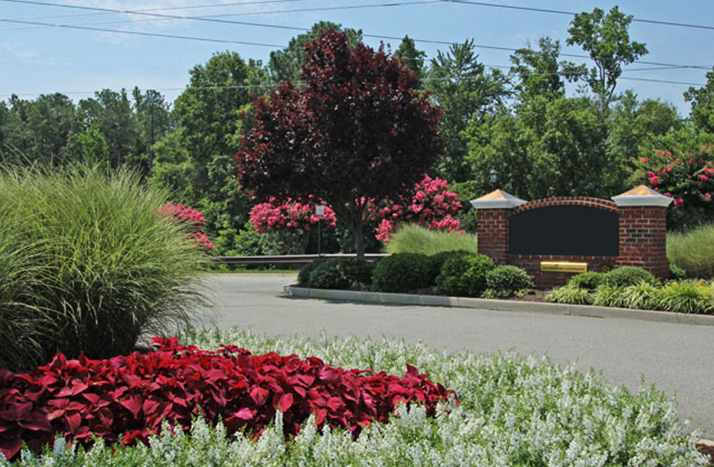 Blooming Garden at Abberly Twin Hickory Apartment Homes, Glen Allen, VA